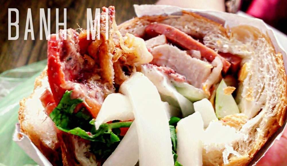 Bánh Mì 是一種搭配豬肉的法國麵包,還有加上大片的蔬菜,過去越南法國殖民時代後產生的一種產品。